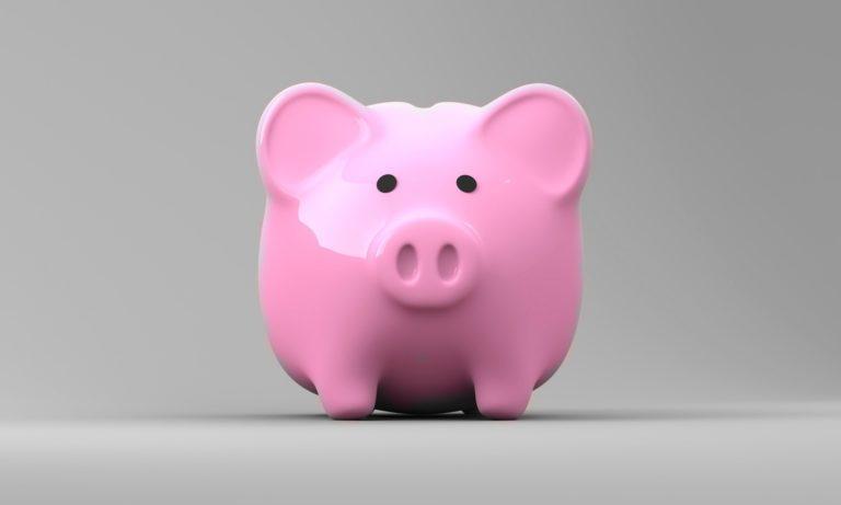 Foto de um porquinho de cofre, representando o papel do rh no endividamento dos colaboradores
